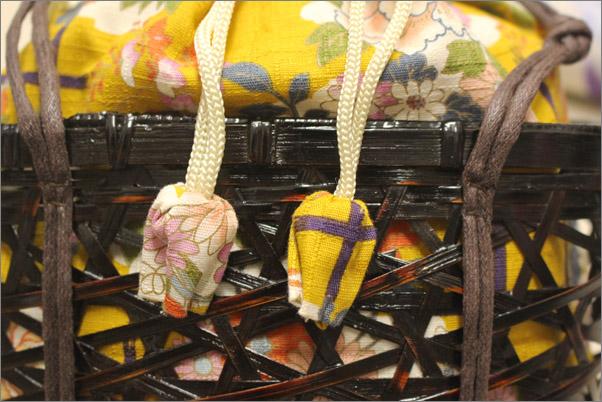 浴衣3点セットの籠バッグの拡大画像。